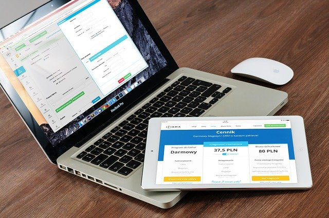 Understanding the Difference Between Responsive and Adaptive Web Design